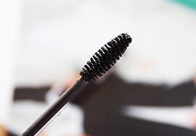 Alterra Max Lash Booster Organic Mascara Closeup