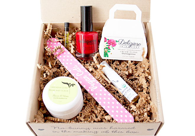 Vegan Cuts Beauty Box December 2014