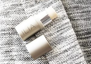 Ilia Beauty Polka Dots And Moonbeams Organic Highlighter