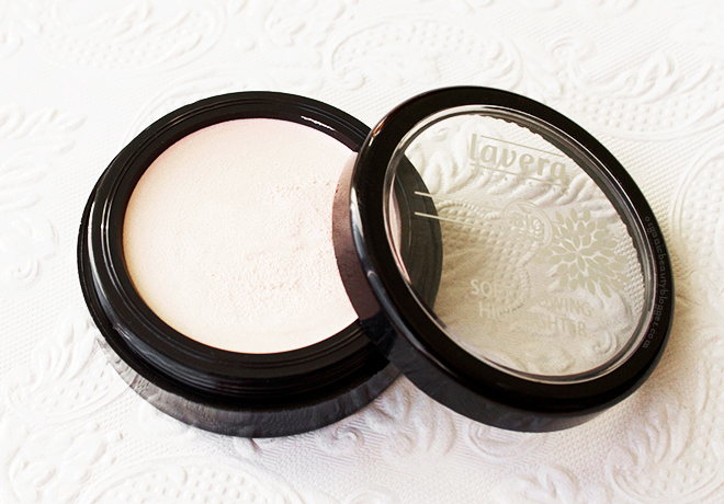 Lavera Soft Glow Cream Highlighter in Shining Pearl