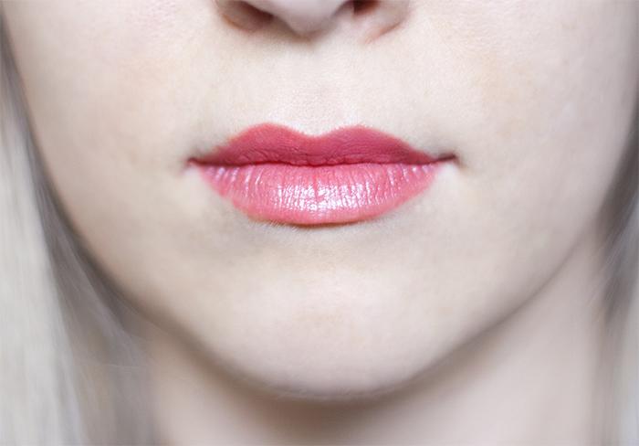 Lavera Hydro Effect Lipstick Strawberry Pink Swatches