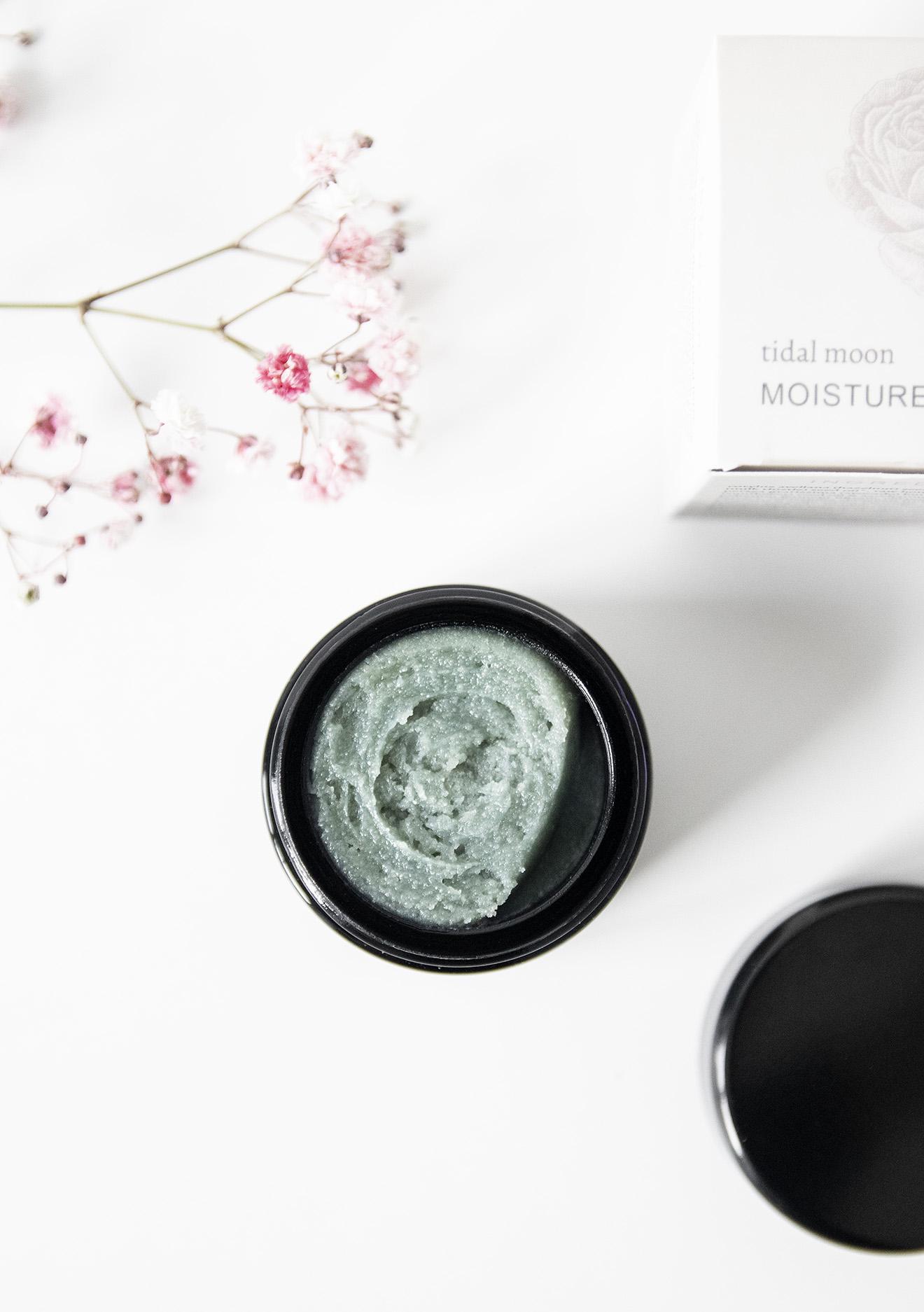 Live Botanical Tidal Moon Organic Moisture Mask