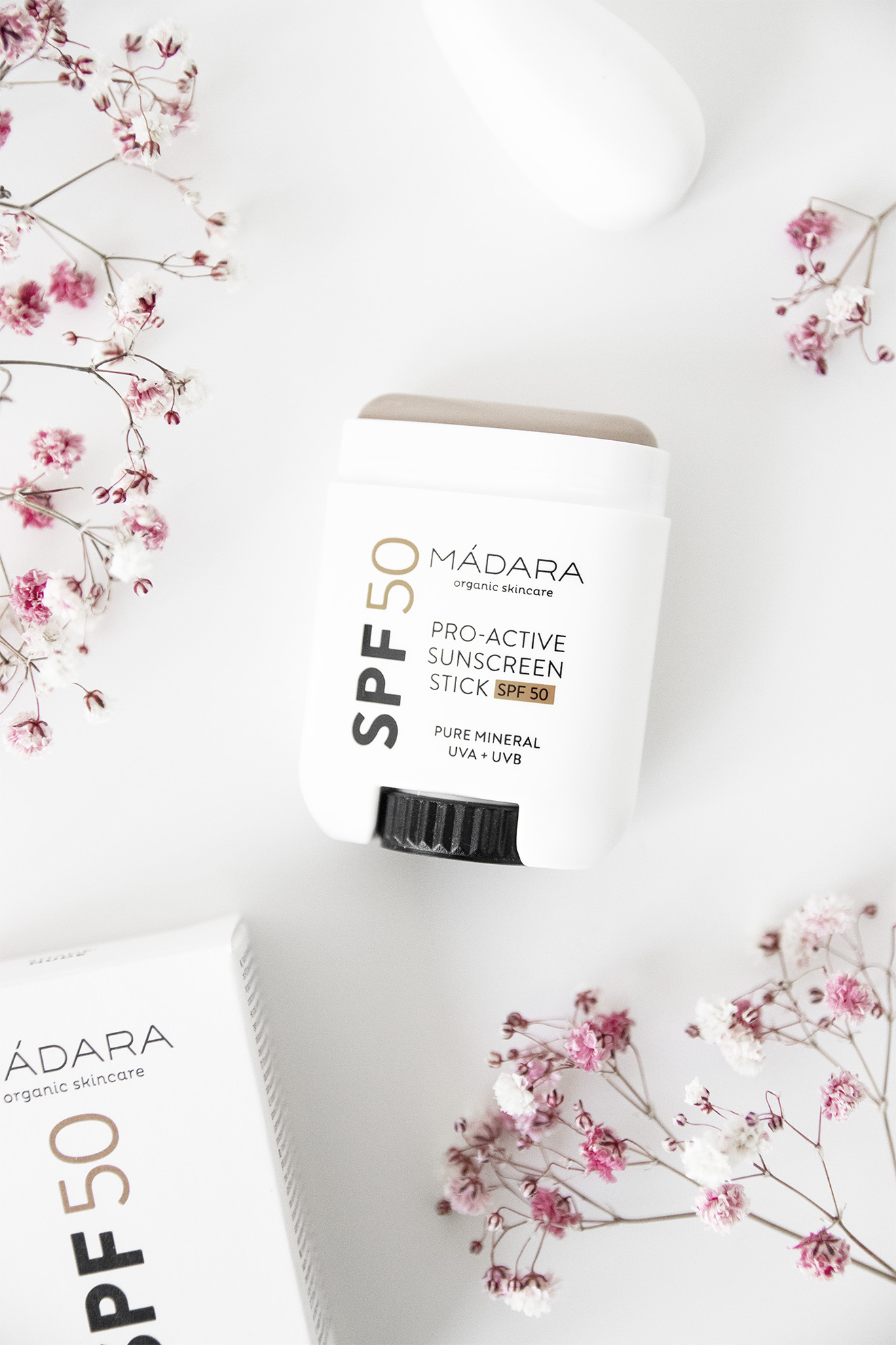 Madara Pro-Active Sunscreen Stick SPF50 Nude